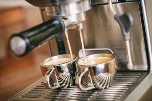 L'ACETO È BUONO PER DECALCIFICARE LE CAFFETTIERE